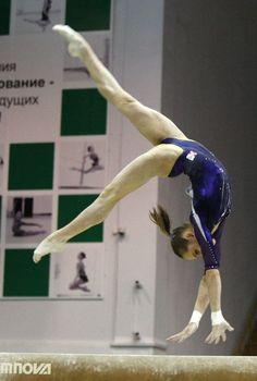 Viktoria Komova (RUS) 2012.