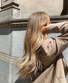 Blonde Hair Looks, Blonde Hair With Highlights, Balayage Hair Blonde, Brown Blonde Hair, Long Blond Hair, Medium Blonde, Hair Medium, Hair Inspo, Hair Inspiration