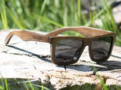 Wayfarer sunglasses, the Brockwell with a brown finish. These wooden sunglasses are suitable for men and women and come with a complimentary bamboo box and pouch