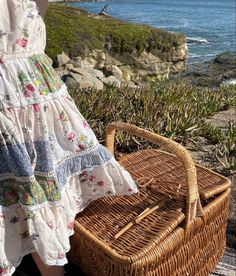 Summer Dream, Summer Girls, Summer Time, Picnic Pictures, Scones And Jam, Cecile, Beach Bum, Luxury Living, Vintage Photos