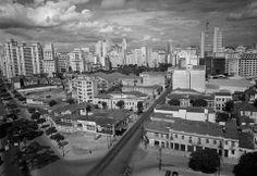 Avenida Ipiranga e rua da Consolação, vistas do alto da Igreja da Consolação em 1950