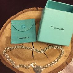*Authentic* vintage Tiffany oval shaped Chain choker in sterling silver, with original box and dust bag.... image 1