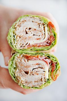 Healthy Meals Ever wonder how to make a lettuce wrap sandwich? These easy lettuce wraps are the perfect low carb, keto, and healthy sandwich without the bread! Everybody loves these lettuce sandwich wraps! Sandwich Wrap, Lettuce Sandwich, Salat Sandwich, Wrap Sandwiches, Healthy Dinner Recipes For Weight Loss, Healthy Snacks, Healthy Eating, Healthy Wrap Recipes, Heathy Lunch Ideas