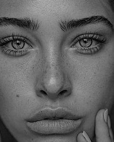 Cool Art Drawings, Pencil Art Drawings, Realistic Drawings, Art Drawings Sketches, Face Photography, Photography Women, Female Portrait, Portrait Art, Girl Face