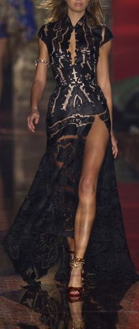 Roberto Cavalli ♡ Dress to Impress Style Haute Couture, Couture Fashion, Runway Fashion, High Fashion, Womens Fashion, Spring Couture, Milan Fashion, Fashion Black, Ladies Fashion