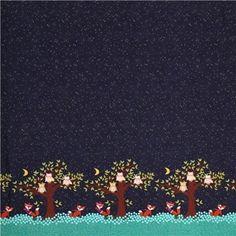 Tissu bleu marine avec des renards, des hiboux, des arbres par Michael Miller…