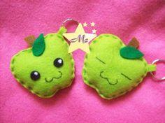 Llaveritos Manzanitas verdes :3 :   PRECIO: 1000C/U    Estos son un encarguito especial  que se fueron el domingo  atras de cada llavero dice K  ya que su dueño lo queria asi    las que lo quieran obviamente ira atras sin ese escrito XD    bsiss a todas    q esten bien    ;D    ---------------------------------------------------------------------    para DUDAS o ENCARGOS   m CONTACTAN en:     :::::::::: MISS_CREACIONES@HOTMAIL.COM ::::::::::::::::     ojo q tb es msn!!!     CATALOGO