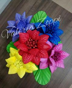 """Flores """"apiadinha"""" coloridas"""