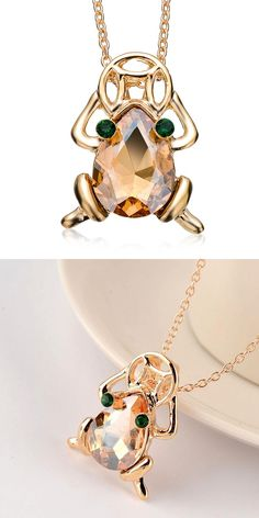 [Visit to Buy] 2016 Auspicious Lucky Frog Toad Crystal Style Personalized Necklace Austrian Crystal Necklace Zircon Money Frog for Women Ladies #Advertisement