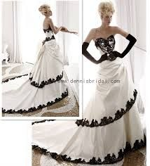 Fabulous and different Wedding Gowns - Google Search