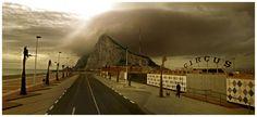 Aaron Hobson's cinemascapes: involontarie desolate poesie visuali dalle riprese di Google StreetView, in formato panoramico