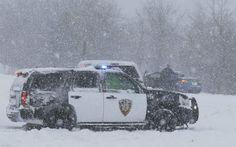 """In de staten Kansas en Colorado was het woensdag al beginnen sneeuwen. """"Kansas lag in het oog van de storm en heeft met de meeste sneeuw te kampen"""", luidde het. Bijna twee weken geleden werden New York en New England, de regio in het noordoosten van het land, onder sneeuw bedolven. Honderdduizenden mensen zaten toen zonder stroom."""