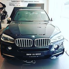 Another one of our favourites a beast on the road the BMW X5 M50D..Diesel power!  #sgcarshoots #sgexotics #speed#sgcaraddicts #singapore #sgcars #sportscars #revvmotoring  #nurburgring #instacar #carinstagram #hypercars #monsterenergy #excitement #epic #visit_singapore #carswithoutlimits #fastcars  #drifting #motorsports #love #gopro #monsterenergysg #instagrammers  #supercarlifestyle #speedy #bmw #bmwsingapore #bmwmfestivalsg #bmwasia