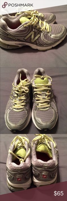 New balance running shoe womens Size 6 1/2 D, wide shoe, barely used New Balance Shoes Athletic Shoes