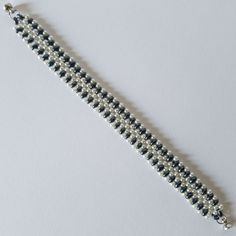 Black and White Double Pearl Loom Beaded Bracelet with Magnet Lock Wood Crafts, Loom, Beaded Bracelets, Pearls, Black And White, Diamond, Handmade, Jewelry, Black White