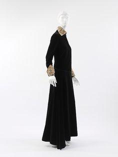 """Dinner Dress:"" Designer: Paul Poiret (French, Paris 1879–1944 Paris) Date: ca. 1923 Culture: French Medium: silk"