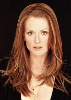 Redhead celeb - Julianne Moore...love this cut, want my long hair back!