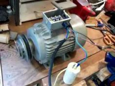 COMO TRANSFORMAR MOTOR TRIFÁSICO A MONOFÁSICO - YouTube Electrical Projects, Electrical Installation, Electronics Projects, Diy Security Camera, Dumb Waiter, Shop Fans, Stepper Motor, Electric Motor, Arduino