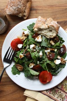 Apricot + Goat Cheese Salad with Honey Balsamic Dressing Christine Christine Drink Recipes, Yummy Recipes, Salad Recipes, Dinner Recipes, Healthy Recipes, Eating Raw, Eating Well, Honey Balsamic Dressing, Goat Cheese Salad