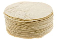 This guide contains recipes for homemade corn tortillas. Corn tortillas are used in many recipes and can be made fresh at home. Corn Tortilla Recipes, Recipes With Flour Tortillas, Homemade Flour Tortillas, Tortilla Bread, Honduran Recipes, Mexican Food Recipes, Mexican Dishes, Homemade Danish Recipe, Crepes