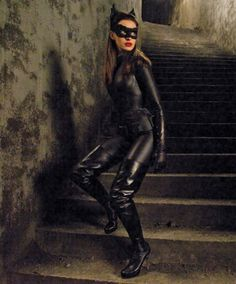 Anne Hathaway as Selina Kyle/Catwoman in The Dark Knight Rises Batman Wonder Woman, Wonder Woman Art, Dark Knight Rises Catwoman, The Dark Knight Rises, Batman The Dark Knight, Catwoman Cosplay, Anne Hathaway Catwoman, Selena Kyle, Dc Comics