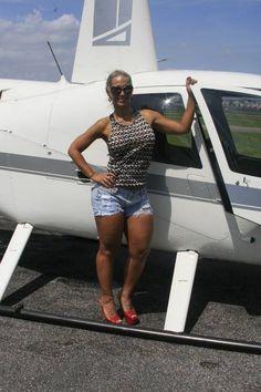Valesca Popozuda chega de helicóptero para desfilar pelo Salgueiro  #CÊJURA