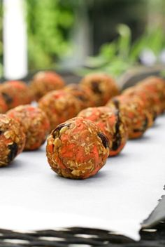 Carrot Cake Oatmeal Bites are no-bake, high protein, low sugar energy balls that feature fresh shredded carrots, raisins, pecans, and all of the flavors of carrot cake.