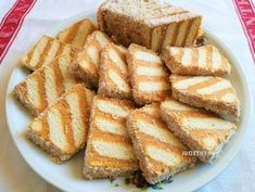 Egyszerű karamellkrémes csíkos szelet - sütés nélkül recept lépés 6 foto Creative Cakes, Creative Food, Hungarian Desserts, Cookie Recipes, Dessert Recipes, Sweet Cakes, Dessert Bars, No Bake Cake, Sweet Recipes