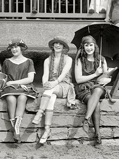 ∴ Trios ∴ the three graces & groups of 3 in art and photos - June 25, 1921. Washington, D.C. Bathing Costume Contest