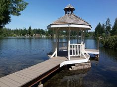 Gazebo dock on Lake