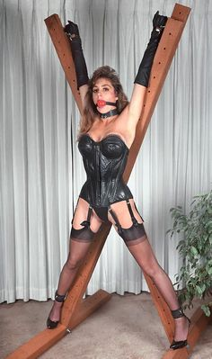 Bondage cross dresser
