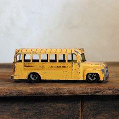 brown dress with white dots: Hubley School Bus Vintage Diecast Toy von auf Etsy Toy School Bus, School Bus Driver, Old School, School Days, School Cartoon, School Starts, School Stuff, Antique Toys, Vintage Toys