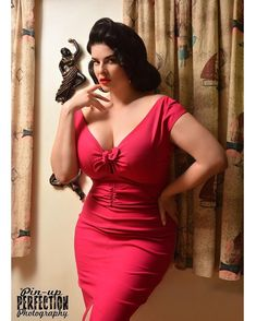 This dress..... photo by sweet sweet @pinupperfectionphotography ✨ Niagara dress by @pinupgirlcl...