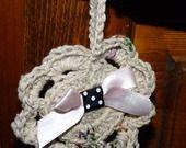 petite décoration de porte ou murale au crochet coton couleur lin : Décoration pour enfants par mysweetbrittany