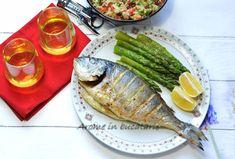 Dorada la cuptor cu sparanghel tras în unt Jamie Oliver, Food Inspiration, Unt, Fish, Ethnic Recipes