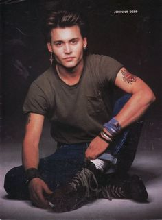 Johnny Depp on 21 Jumpstreet Beautiful Boys, Pretty Boys, Johnny Depp Joven, Junger Johnny Depp, Young Johnny Depp, Fangirl, Young Celebrities, Celebs, Captain Jack Sparrow