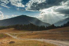 Sun rays by ZhenyaSneg