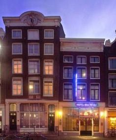 Located at the beginning of the Canal Belt, part of the UNESCO World Heritage Site, Multatuli Hotel offers air-conditioned rooms with cable TV in a classic Amsterdam townhouse across from the Central Train Station. It has a 24-hour front desk, free Wi-Fi, and is only a 10 minute walk from Dam Square and the Royal Palace.