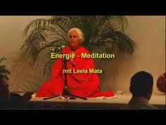 Leela Mata leitet eine Energie-Meditation an im Rahmen eines Satsangs im Haus Yoga Vidya Bad Meinberg. Weitere Videos und Infos unter Yoga Vidya  http://mein.yoga-vidya.de/video/energie-meditation-mit-leela-mata
