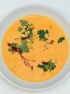 Søtpotet- og peanøttsuppe - Vegetarbloggen Thai Red Curry, Quinoa, Protein, Food And Drink, Ethnic Recipes, Recipies