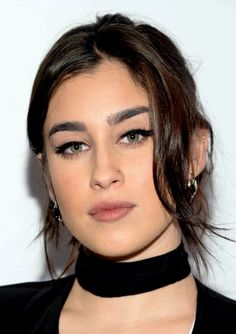 Good example of a double helix. I'm in love with this piercing! Fifth Harmony Lauren Jauregui, Divas, Beautiful People, Most Beautiful, Daddy, Camila And Lauren, Making Love, Thing 1, Female Singers