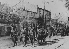 1941 eastern front romanian troops Odessa world war two romania people Romania People, Eastern Front Ww2, Kingdom Of Italy, Story Of The World, Military Photos, Countries Of The World, World War Two, First World, Troops