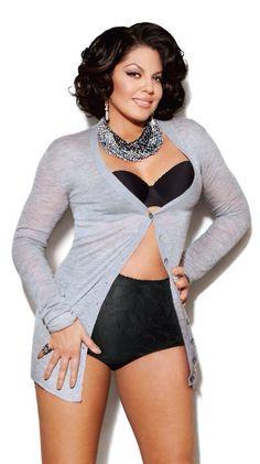 Sara Ramirez not super skinny, and seems super confident