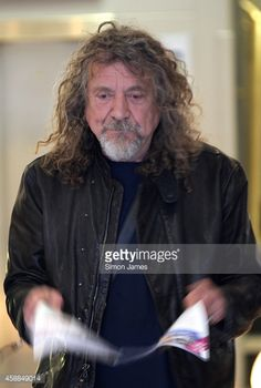 News Photo : Robert Plant sighted leaving the BBC radio two...