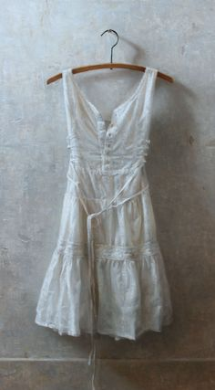 """""""White Dress,"""" Oil on Panel I can't seem to find the artist, but it's lovely."""