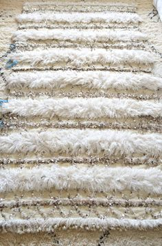 BoutiqueMaroc offers exquisite minimalist Beni Ourain, Boucherouite and chic Azilal Vintage Moroccan rugs to infuse a touch of Glamour and luxury to your space. Overstock Rugs, Morrocan Decor, Moroccan Wedding Blanket, Rug Texture, Square Rugs, 8x10 Area Rugs, Rugs On Carpet, Vintage Rugs, Rugs