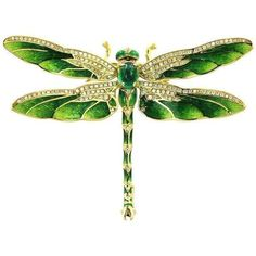Preowned Modern Emerald Enamel Gold Dragonfly Brooch (329525 RSD) ❤ liked on Polyvore featuring jewelry, brooches, green, gold jewellery, green gold jewelry, antique jewellery, emerald brooch and dragonfly jewelry #GoldJewelleryModern #jewelryantique #goldbrooches