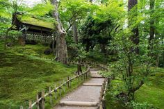 If you plan to visit Kenroku-en - one of the Three Great Gardens of Japan - do yourself a favor and schedule half a day here you will not want to leave too soon! Kanazawa, Schedule, Zen, Sidewalk, Gardens, Leaves, Japan, How To Plan, Instagram Posts