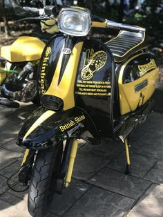 Hayling Island Scooter Rally 2018 : lots of beautiful scooters, sunshine and some crazy people; all the ingredients for a fantastic weekend! Four Wheelers For Sale, 4 Wheelers, Retro Scooter, Lambretta Scooter, Vespa Scooters, Sport Cars, Rc Cars, Vespas, Autos