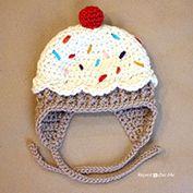 Free baby cupcake hat crochet pattern.